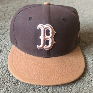 Official MLB New Era Red Sox Fitted brown hat